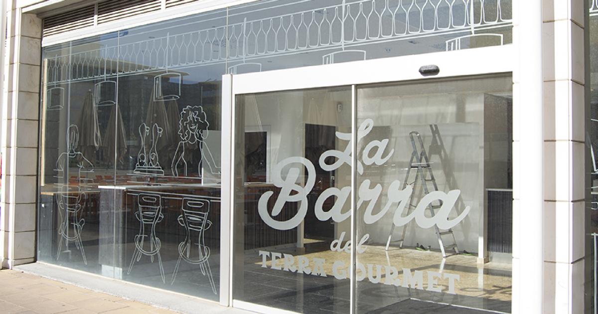 Rotulación para el restaurante La Barra del Terra Gourmet