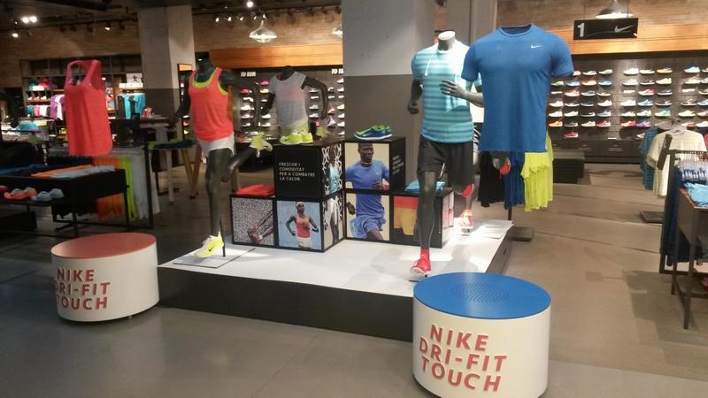 Rotulación para tienda Nike_Corte Ingles