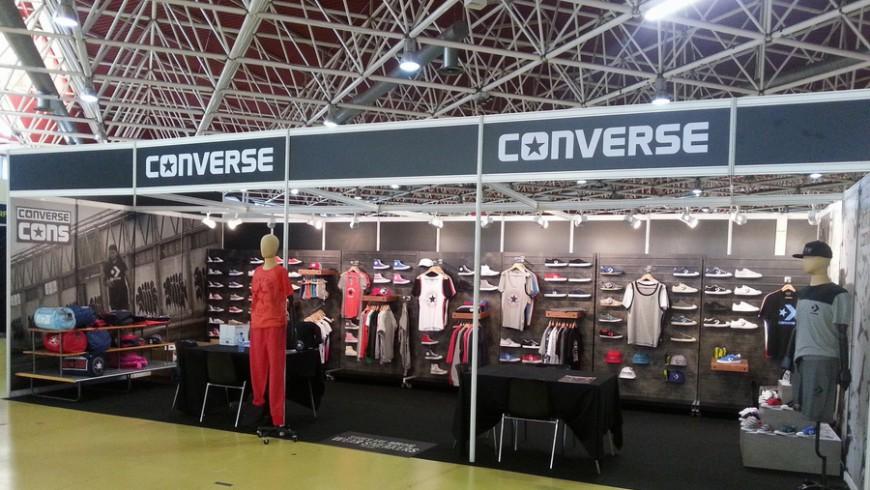 Rotulacion estand Converse 3