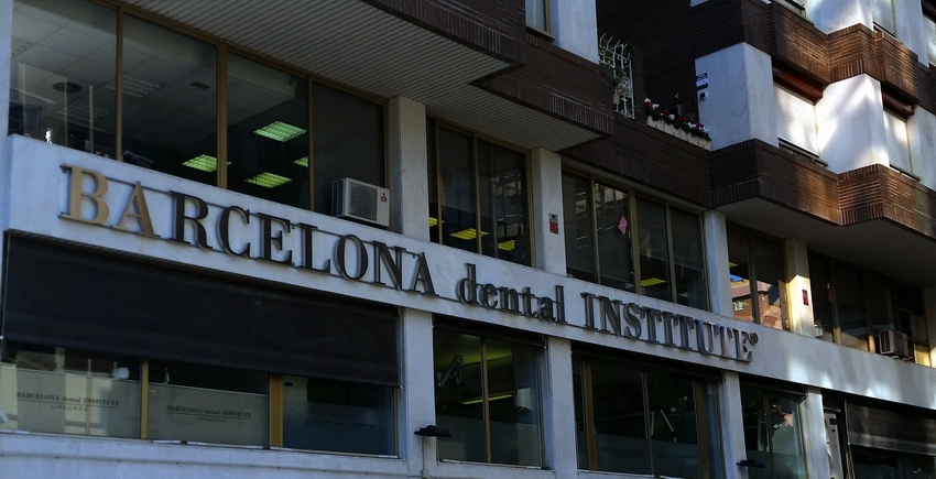 Letras corporeas Barcelona Dental Institute