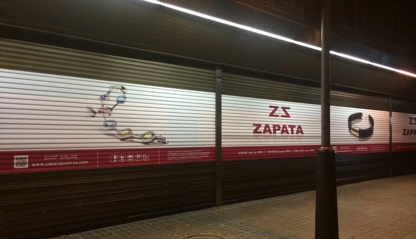 Rotulación de persianas exteriores de Zapata Joyeros