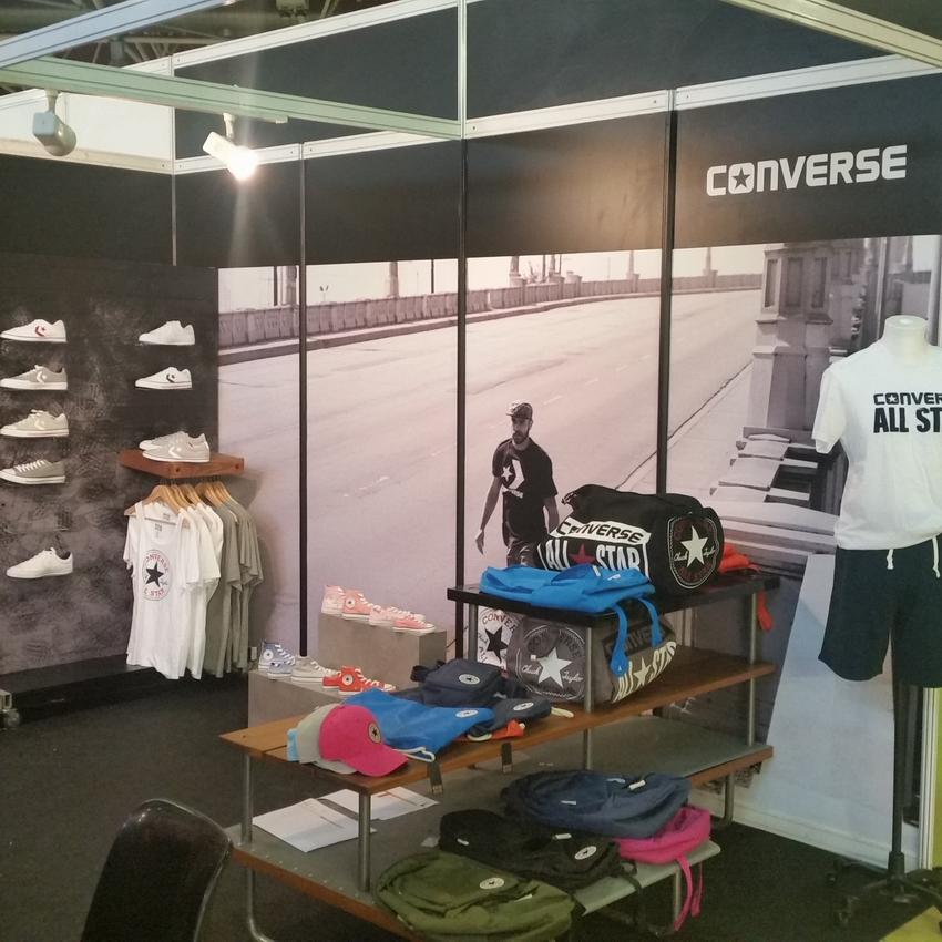 Estand Converse 2