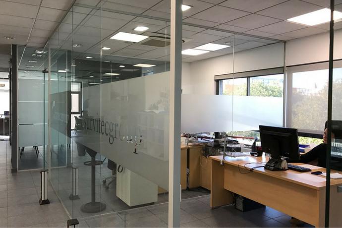 Rotulación de los vehículos y oficinas del Grupo Survitec