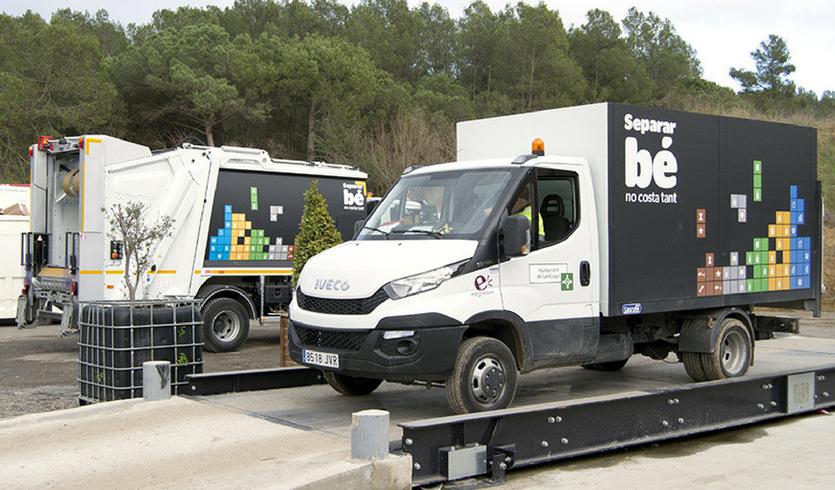 Rotulación de vehículos de recogida selectiva de residuos en Sant Cugat