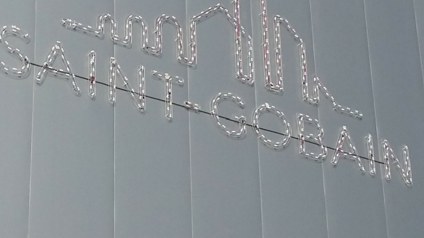 Rotulación Grafiks: rótulo luminoso fachada nave