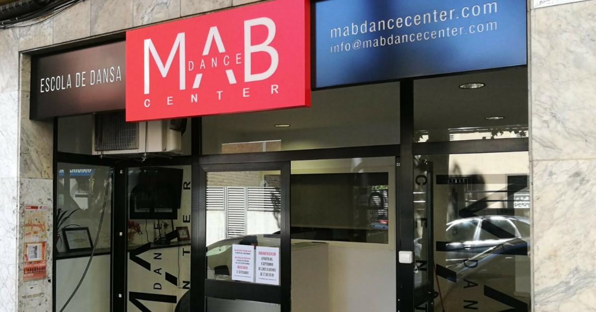 Rótulos y letras corpóreas para la escuela de danza Mab Dance Center