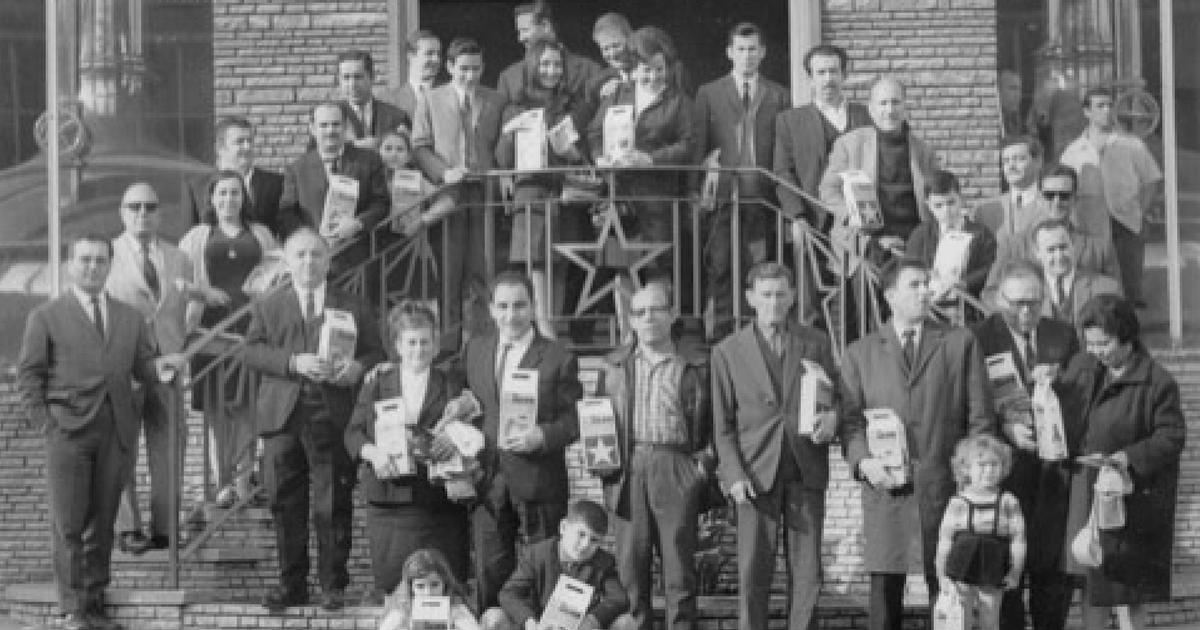 """Rotulación de vehículos de empresa: """"65 aniversario del Grup VIVÓ"""""""